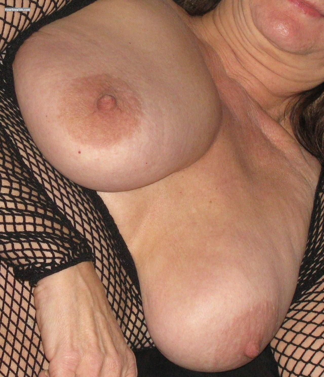 Tit Flash: Very Big Tits - Tootsiepie from Canada