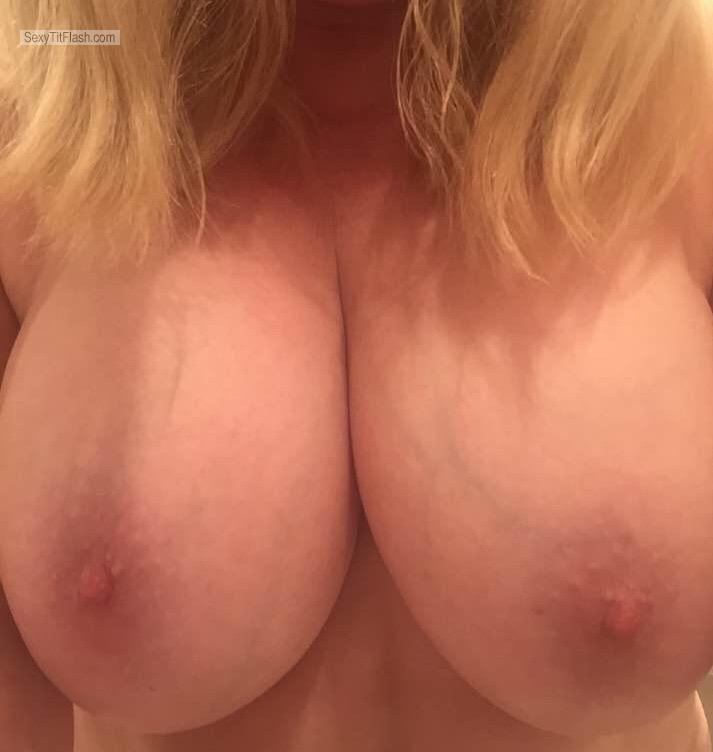 Very big Tits Of A Friend Selfie by Jas