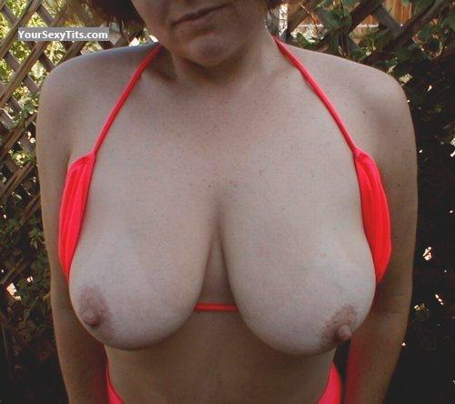 Tit Flash: Very Big Tits - Mari from United States