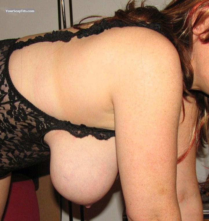 Tit Flash: Very Big Tits - Bubbles from United Kingdom