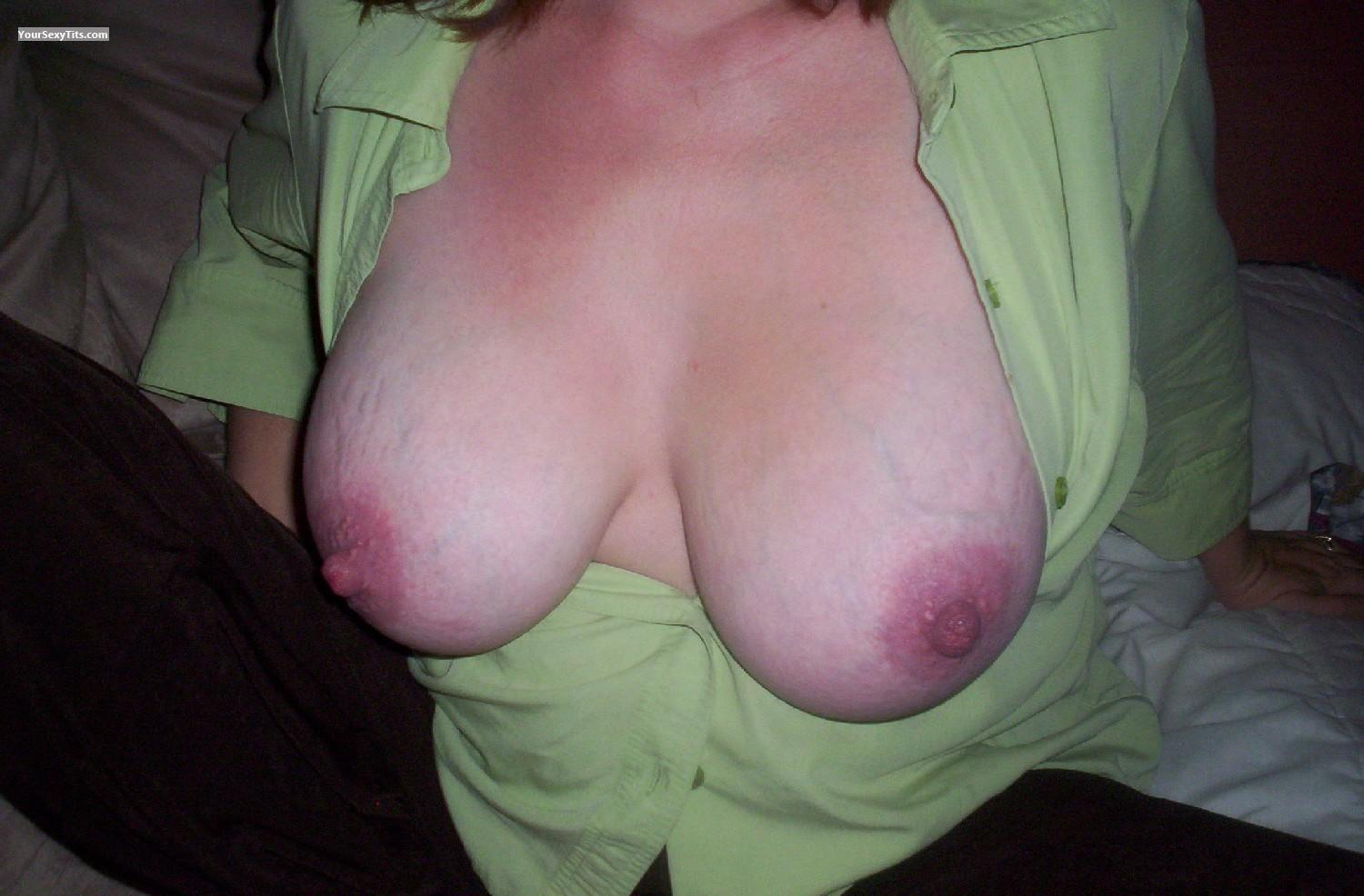 Tit Flash: Very Big Tits - Pixieannie from United States