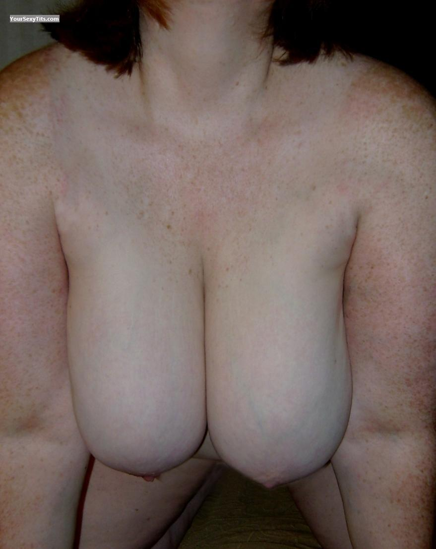 Tit Flash: Very Big Tits - Red-vixen from United States