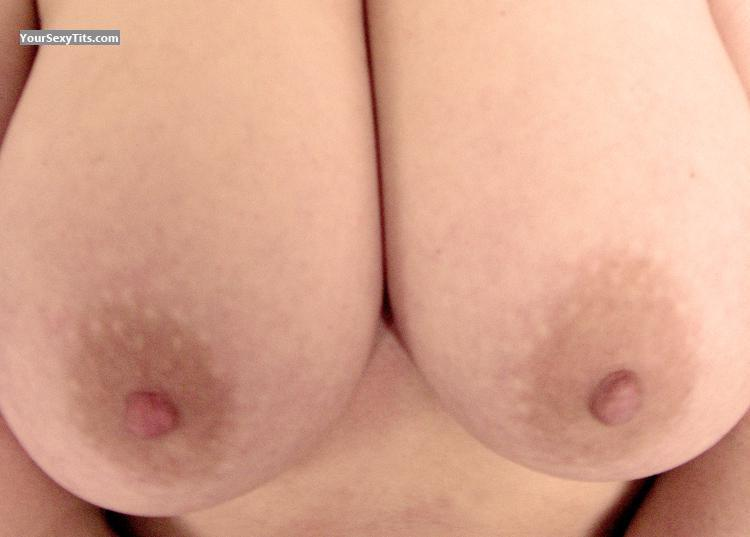 Tit Flash: Girlfriend's Very Big Tits - Ally from United Kingdom