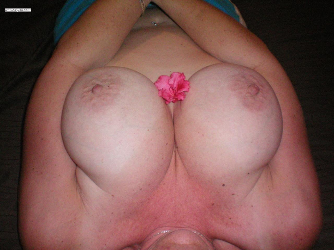 Very big Tits Dawn