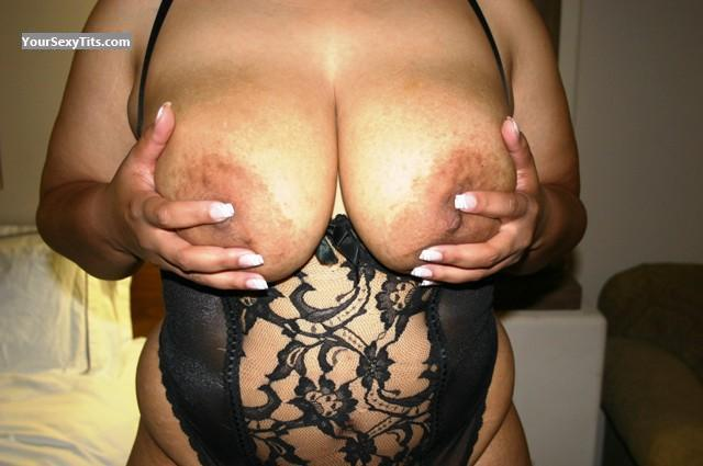 Tit Flash: Very Big Tits - NIKKI38DD from United States