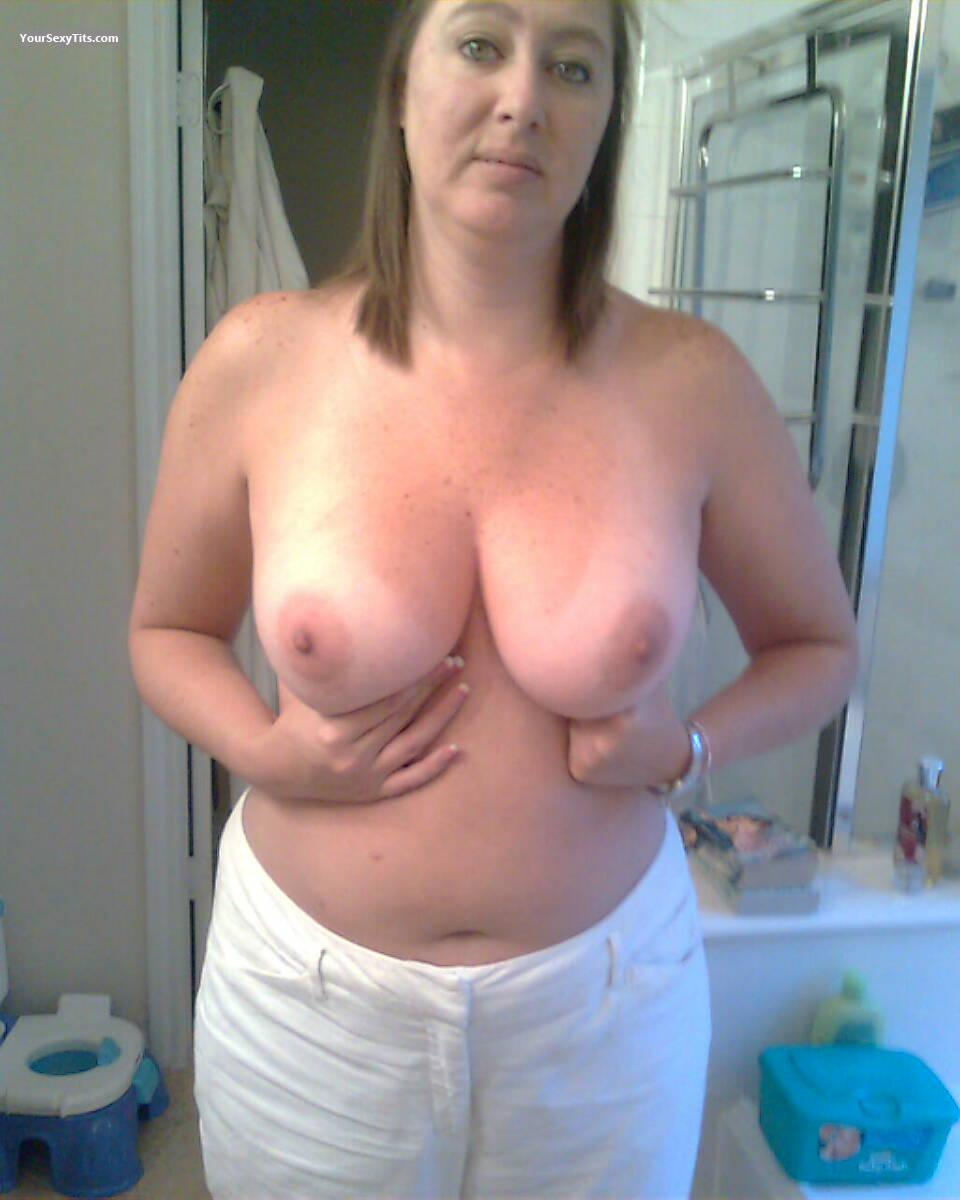 Tit Flash: Very Big Tits - Topless DeerparkTX Jen from United States