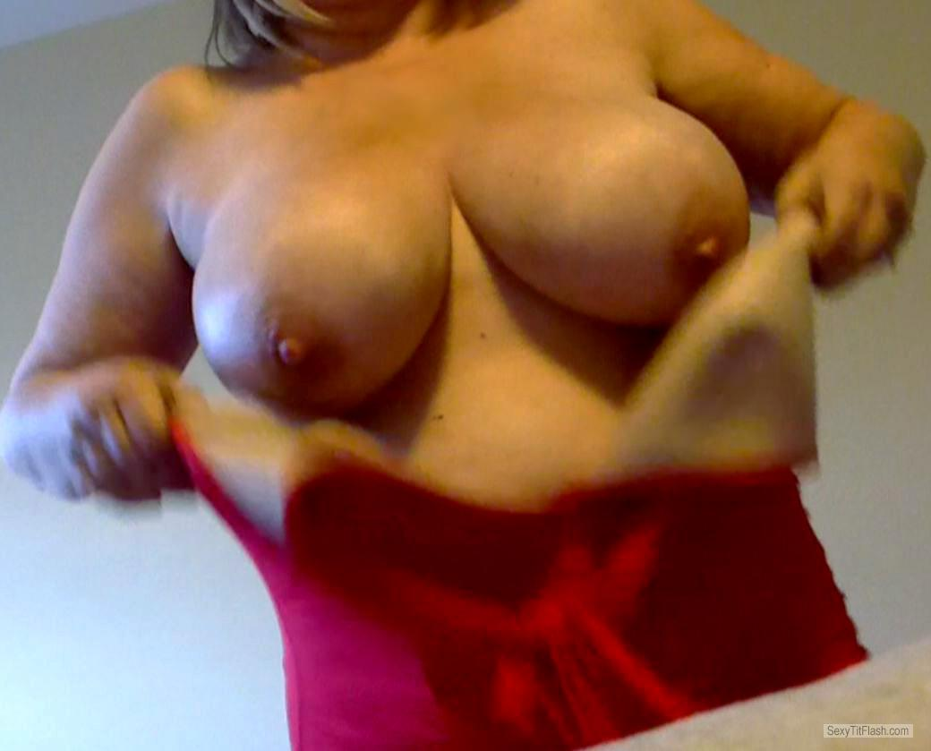 Tit Flash: Room Mate's Big Tits - Donna from United Kingdom