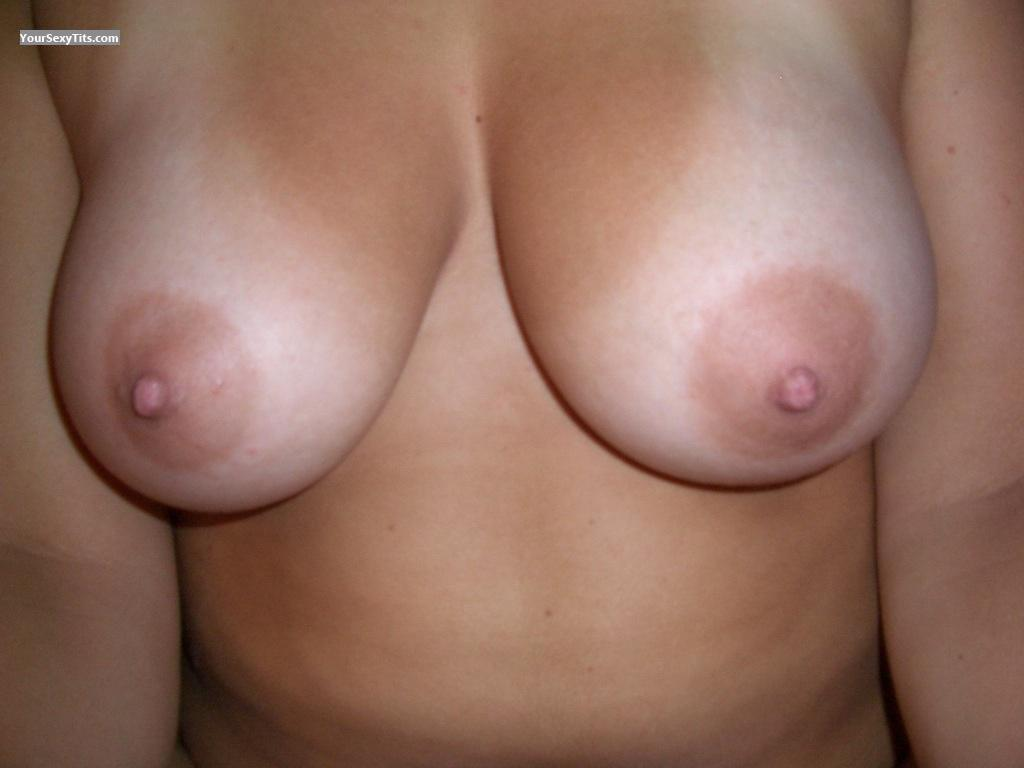 Tit Flash: Very Big Tits - Jodi from United States