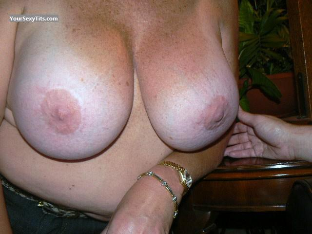 Very big Tits Sly