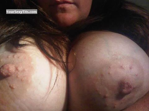 Tit Flash: Very Big Tits - Maryanne from United States