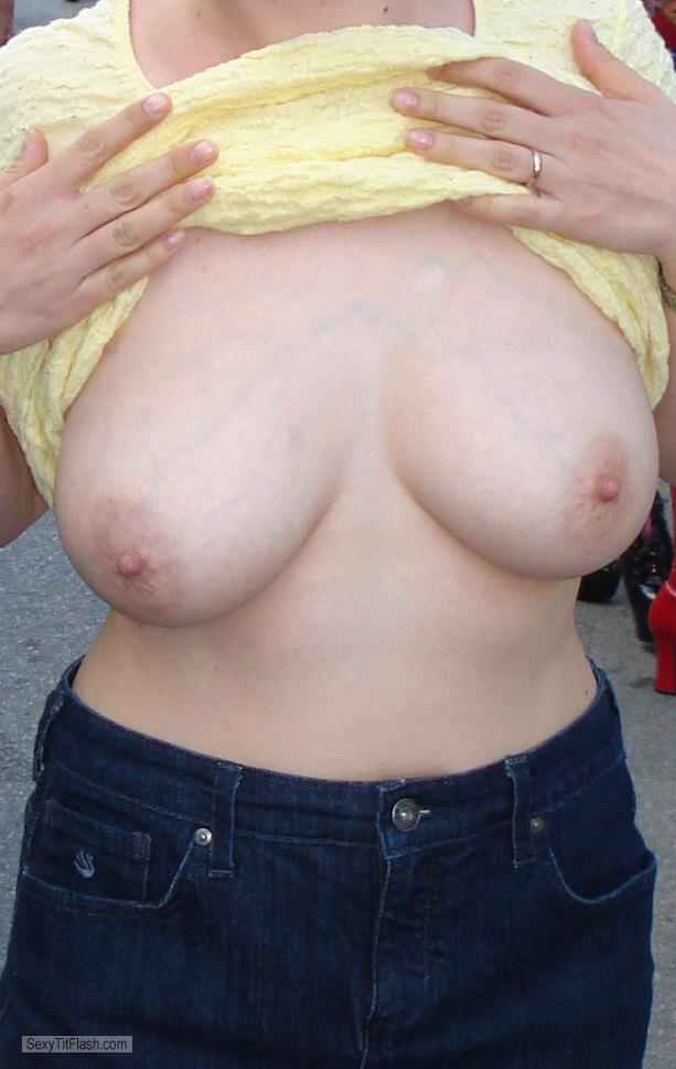 Tit Flash: Wife's Big Tits - Lissa from United States