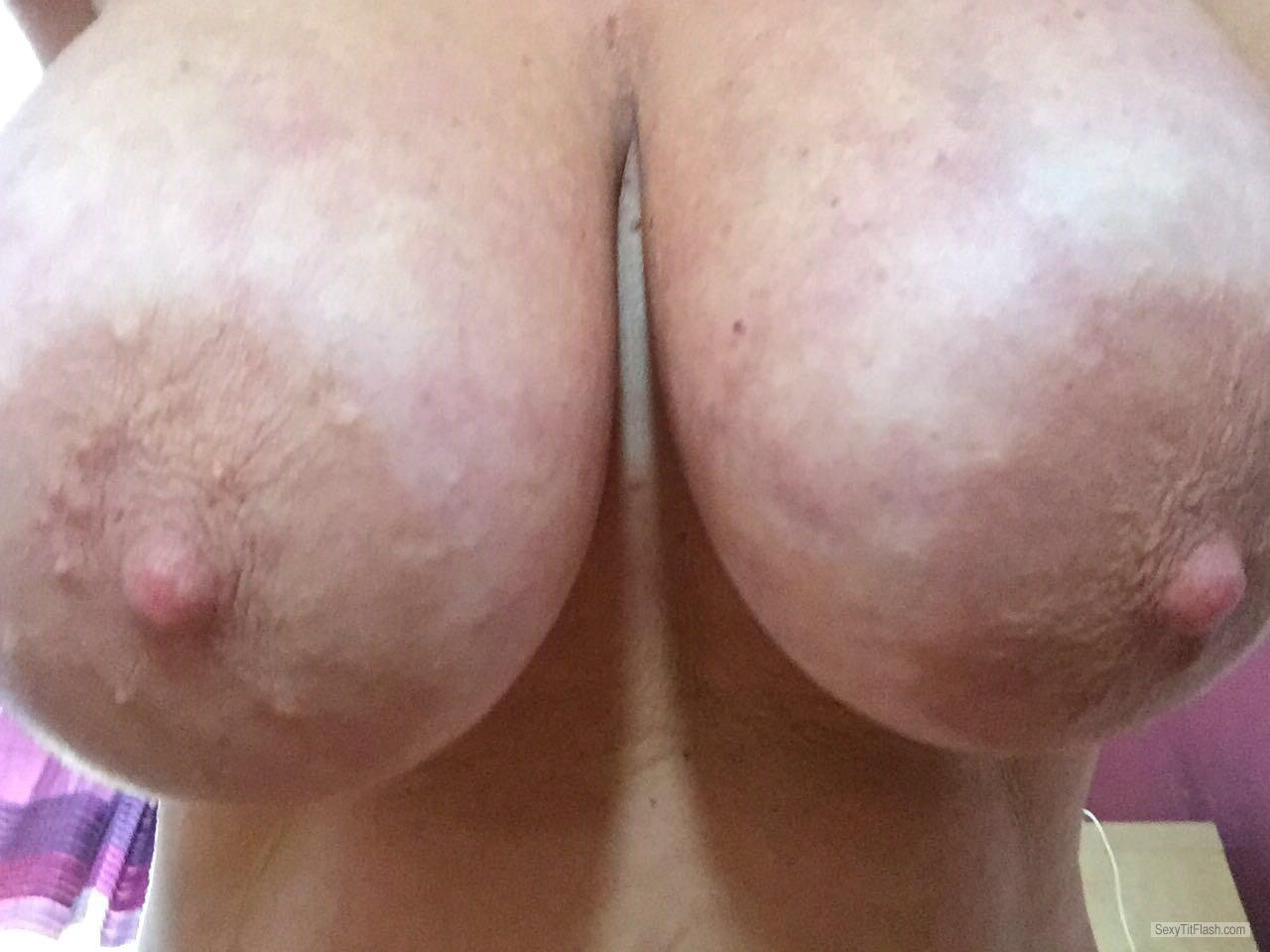 Tit Flash: Room Mate's Very Big Tits (Selfie) - Gills Beauty's from United Kingdom