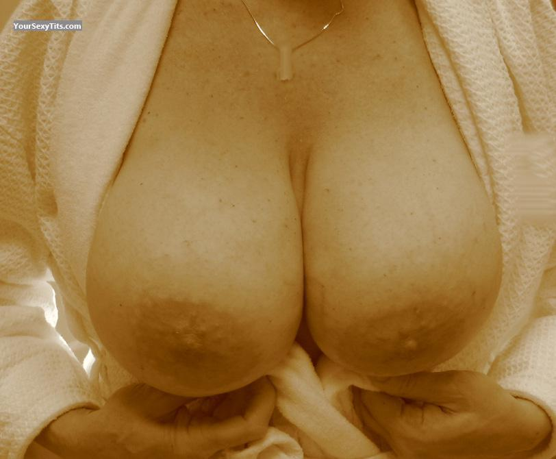 Very big Tits Of My Wife Texas Gal