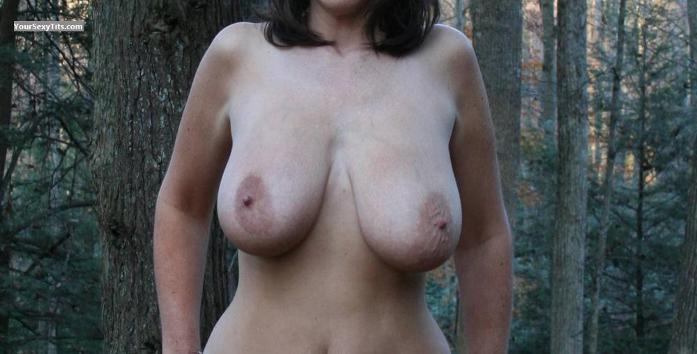 Tit Flash: Very Big Tits - Naturelover from United States