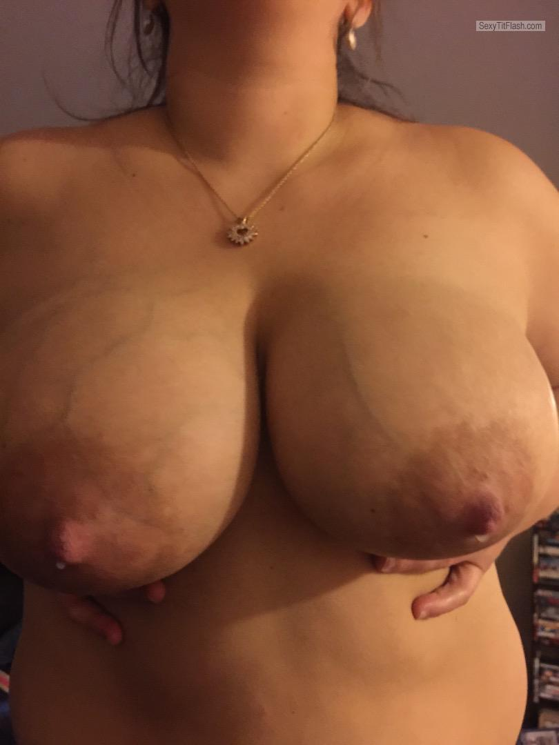 Tit Flash: Girlfriend's Very Big Tits - Sarah Lea from United States