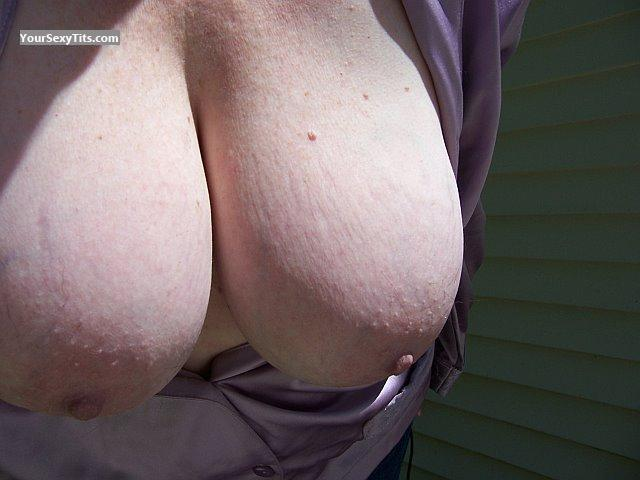 Tit Flash: Very Big Tits - Janet B from United States