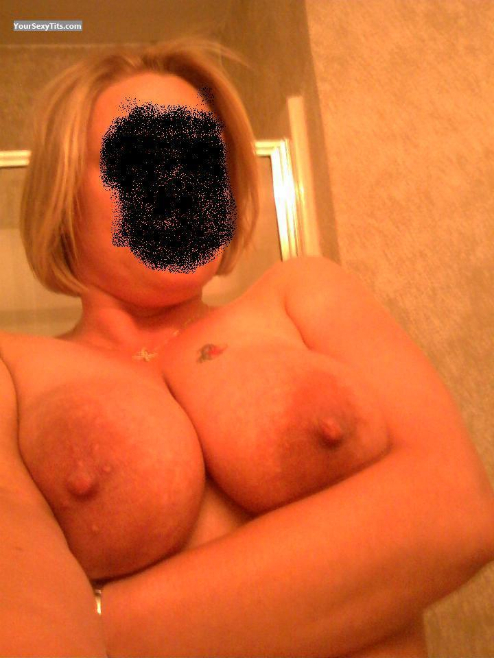Tit Flash: My Very Big Tits (Selfie) - Hello from United States