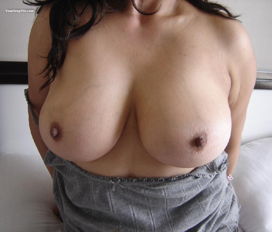 Tit Flash: Very Big Tits - Tom from Mexico