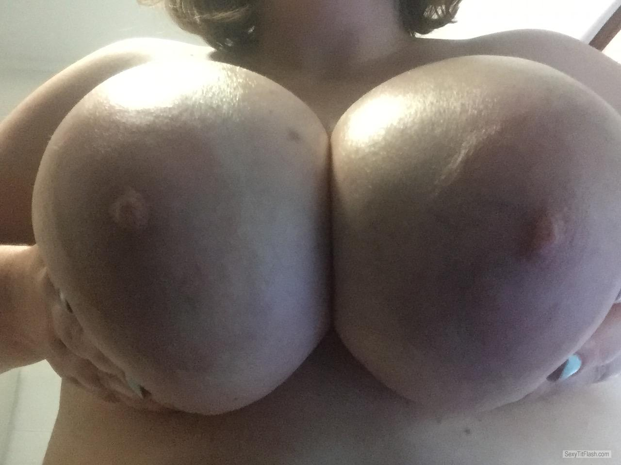 Tit Flash: My Very Big Tits - Topless Juicy_girlxxx from Australia