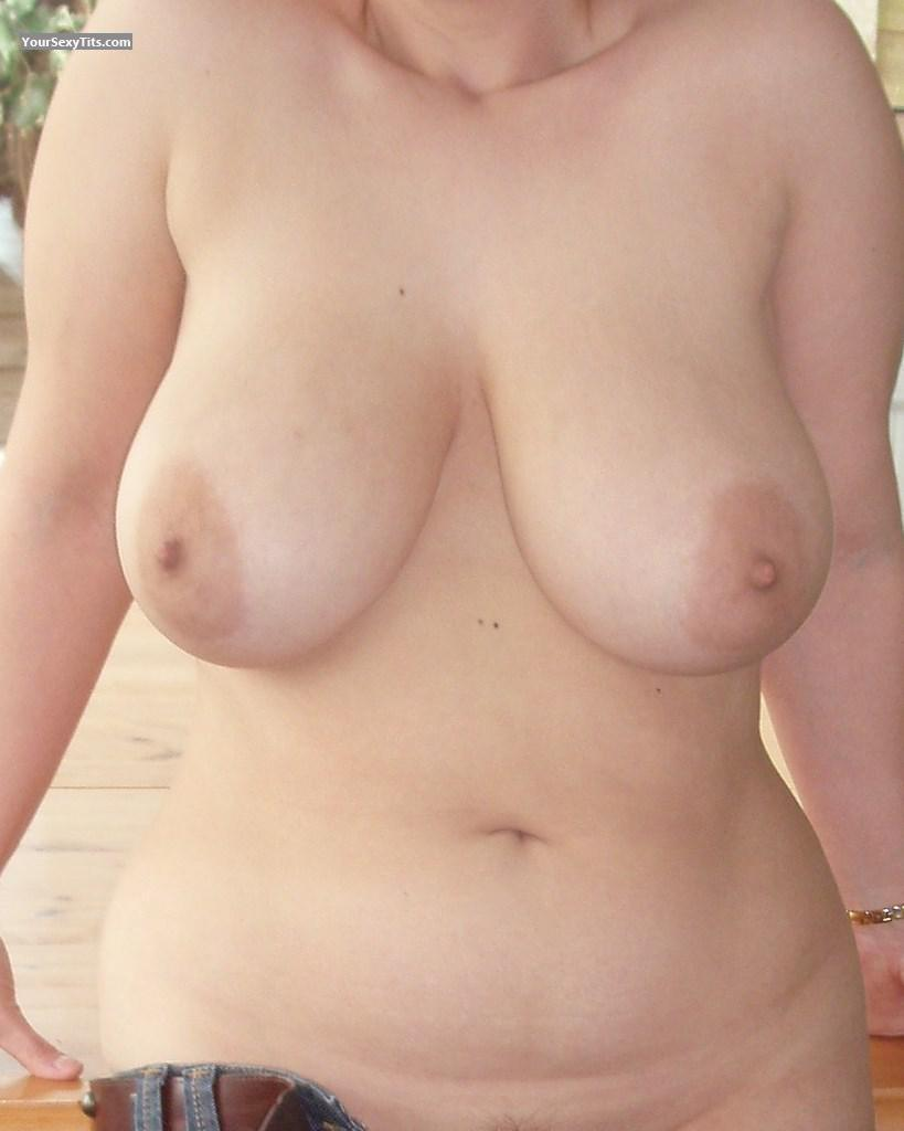 Tit Flash: Very Big Tits - Bigal 17706 from United States
