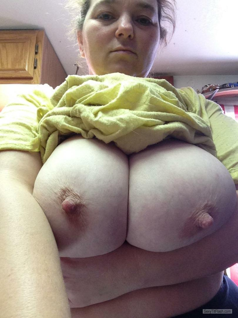 Big tits flash