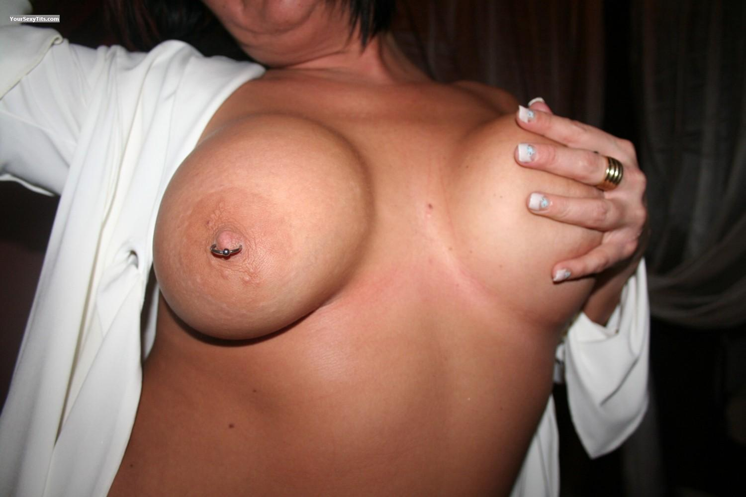 Tit Flash: Very Big Tits - Savannah from United StatesPierced Nipples
