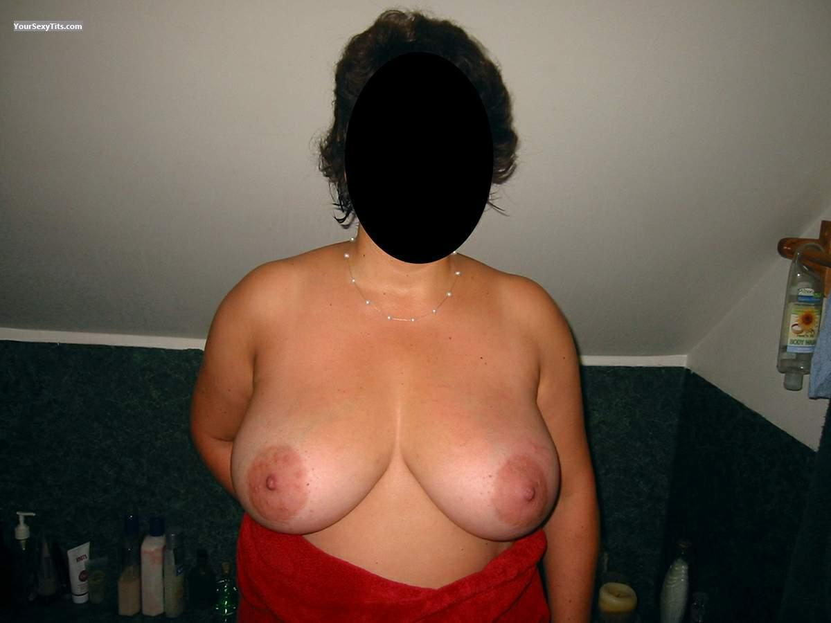 Tit Flash: Very Big Tits - Missy from United States