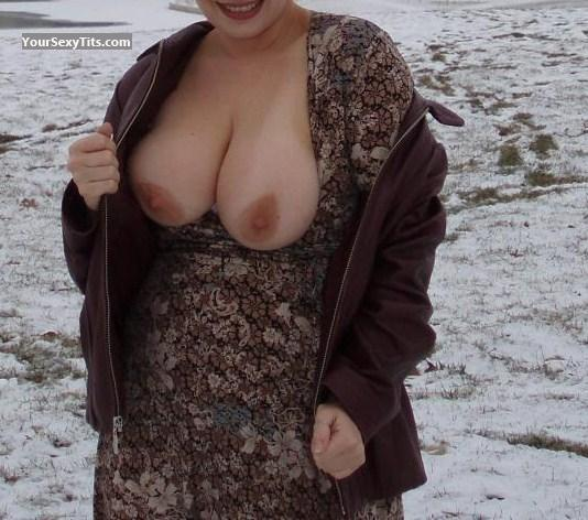 Tit Flash: Very Big Tits - Partygirlkat from United States