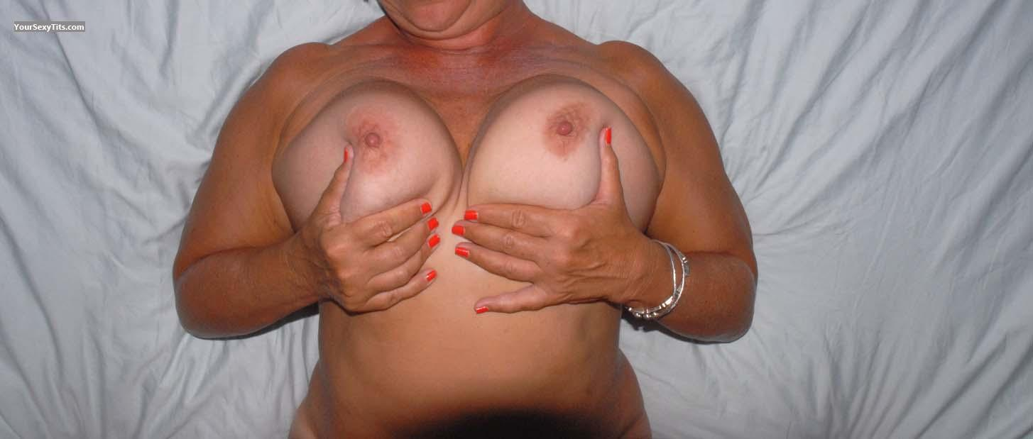 Tit Flash: Very Big Tits - Sensitive from United States