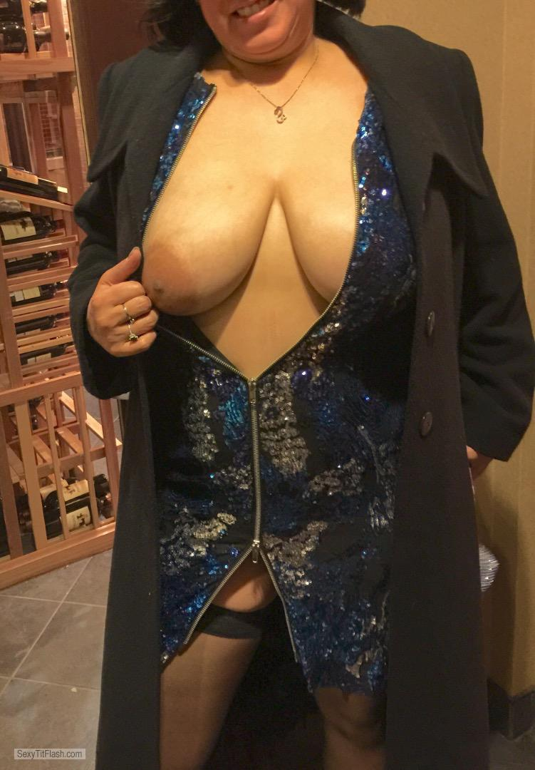 Tit Flash: Wife's Very Big Tits - Cherry from United States