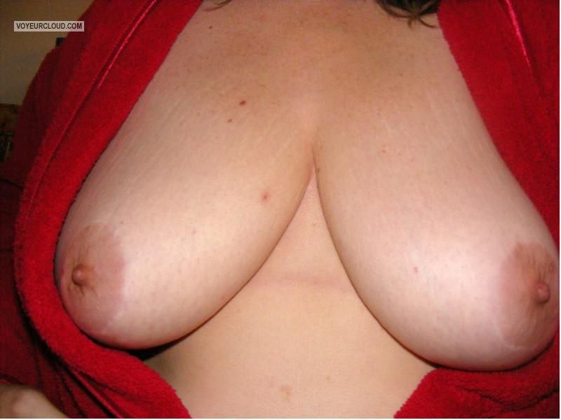Tit Flash: Wife's Very Big Tits - Cinder from United States