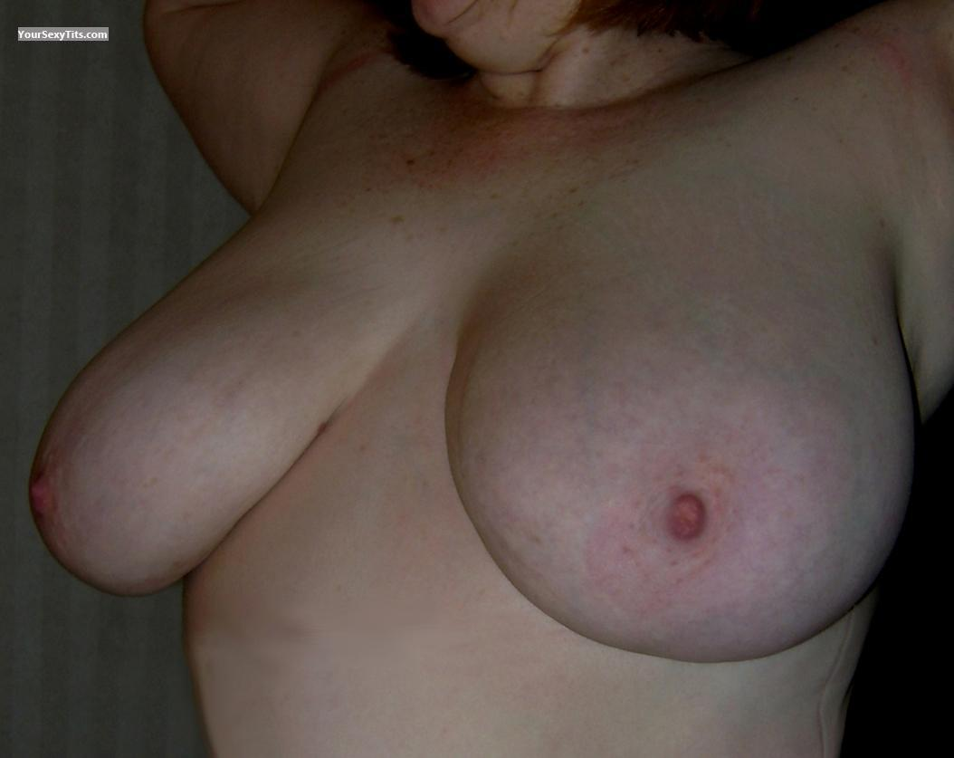 Very big Tits Red-vixen