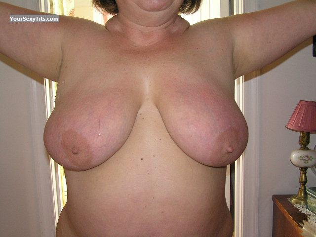 Tit Flash: Wife's Very Big Tits - 40ddd from United States