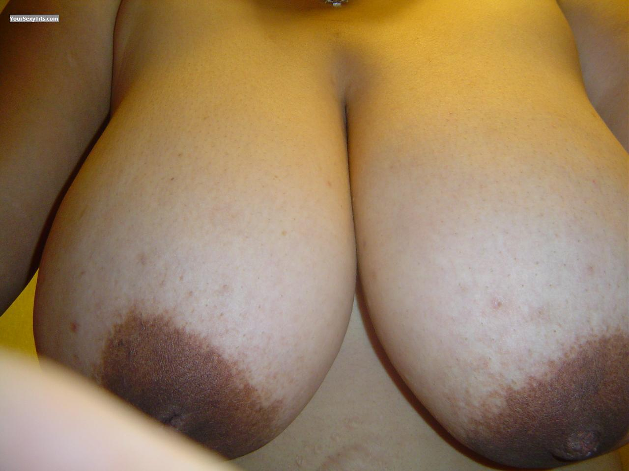 Tit Flash: Very Big Tits - Nibbles from United States