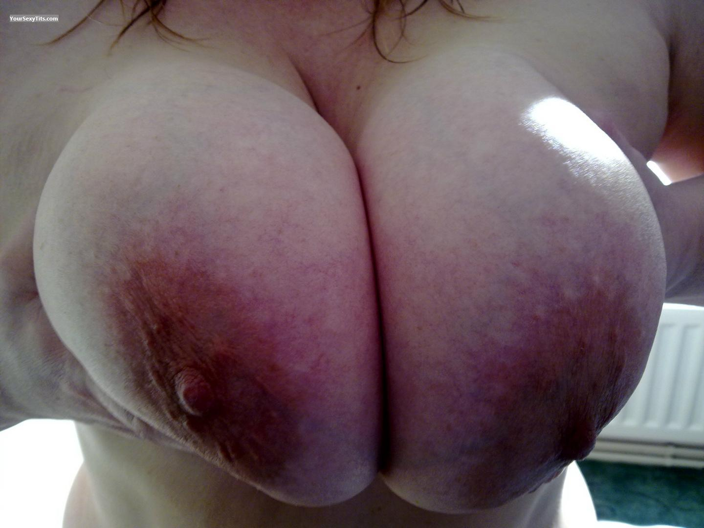Tit Flash: Very Big Tits - Bigboobs42e from United Kingdom