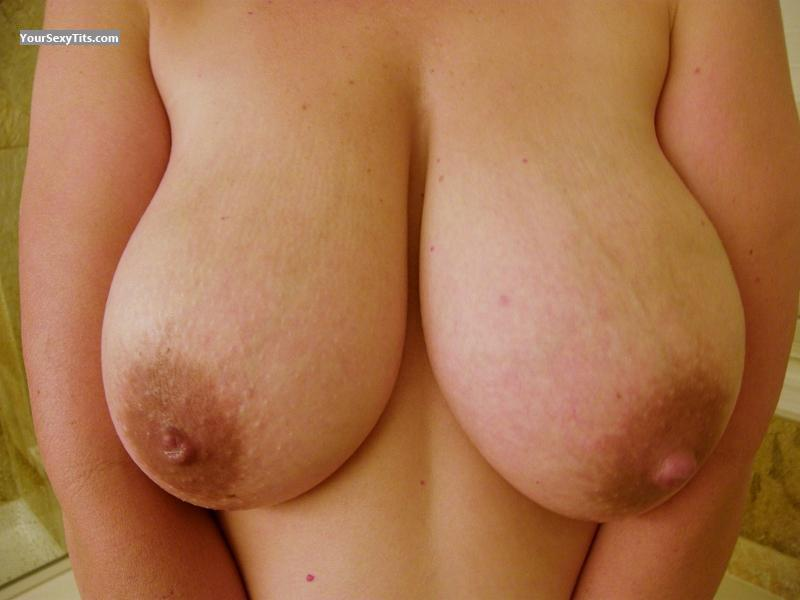 Very big Tits Natural DDs