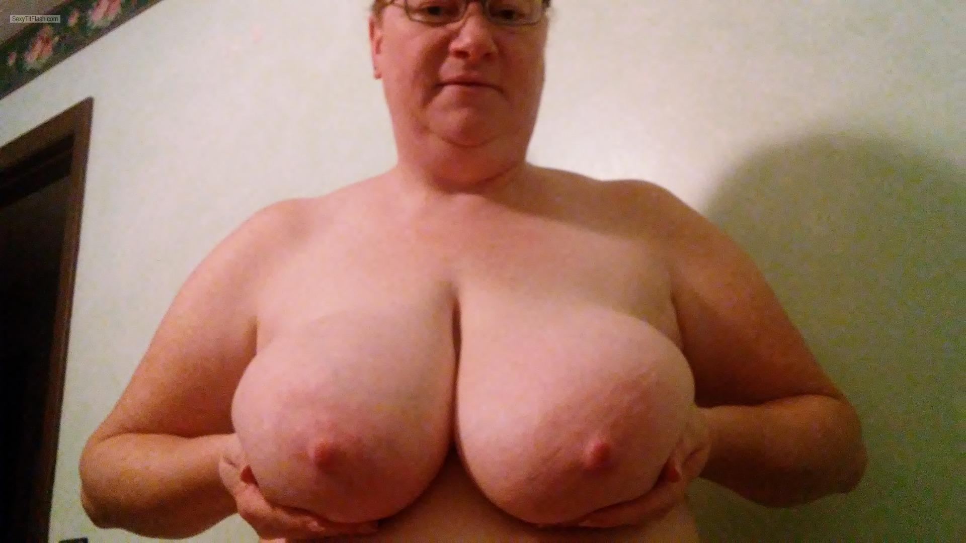 Tit Flash: Wife's Very Big Tits - Topless Tina from United States