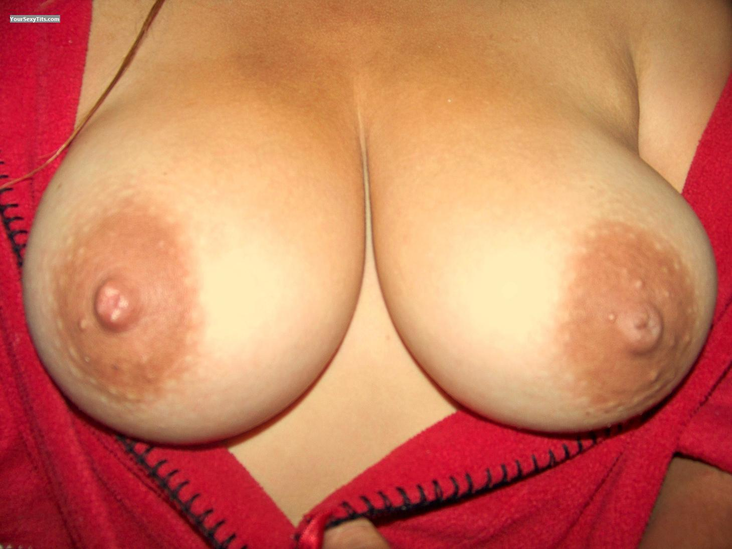 Tit Flash: Very Big Tits - Texastatas from United States