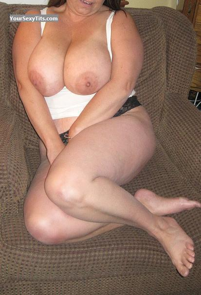 Tit Flash: Very Big Tits - Baby from United States