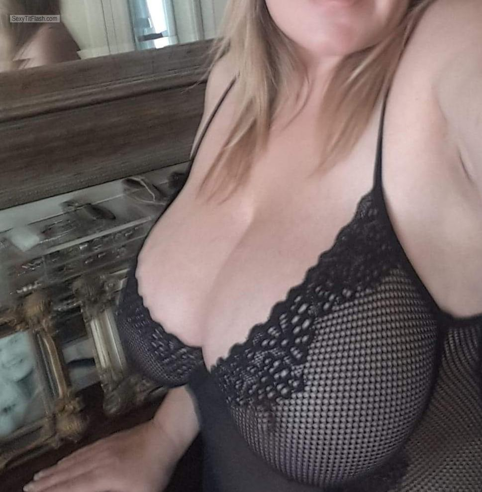 Tit Flash: Wife's Very Big Tits (Selfie) - Btint from New Zealand
