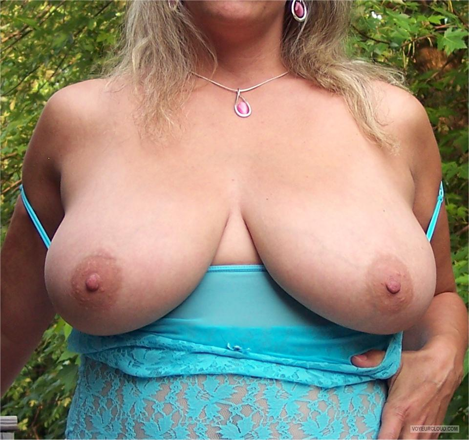 Very big Tits Of My Wife KMG