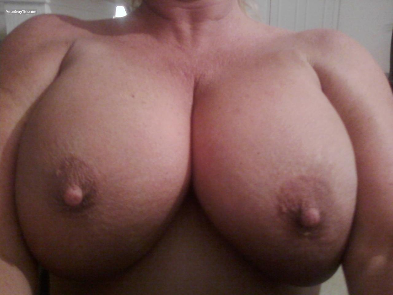 Tit Flash: Very Big Tits - Wy. Grown from United States