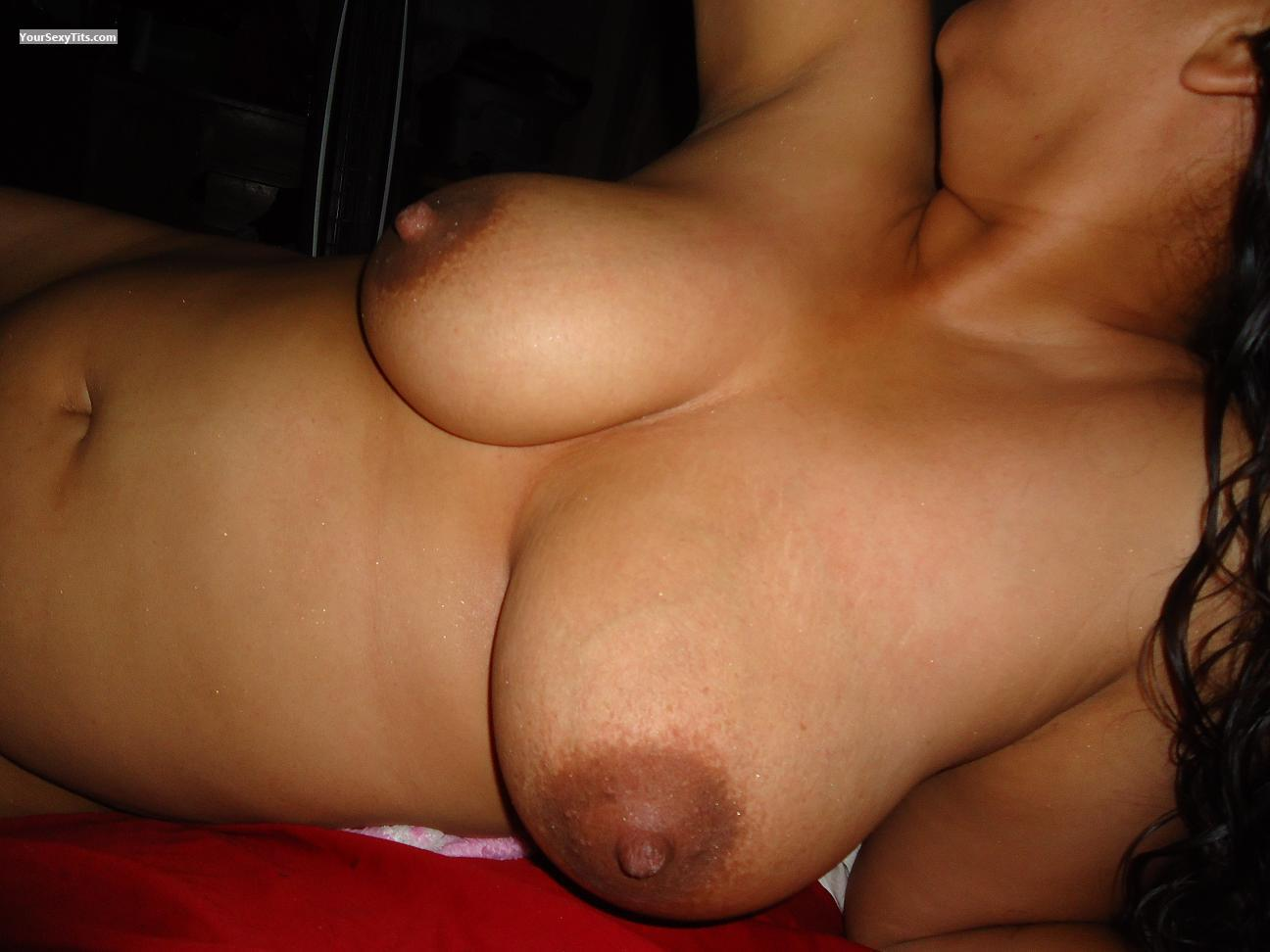 Tit Flash: Very Big Tits - Nara from United States