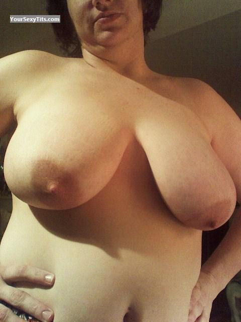 Tit Flash: Wife's Very Big Tits - Sugartush from United States