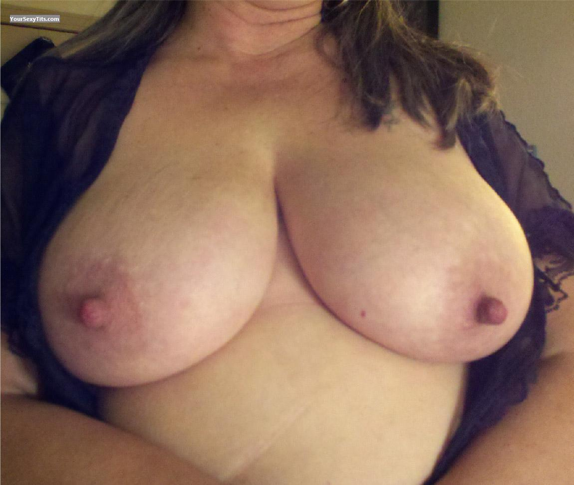 Tit Flash: Very Big Tits - Mrs. Beerguy from United States