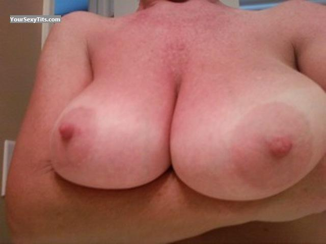 Tit Flash: Very Big Tits - ColaGrl from United States
