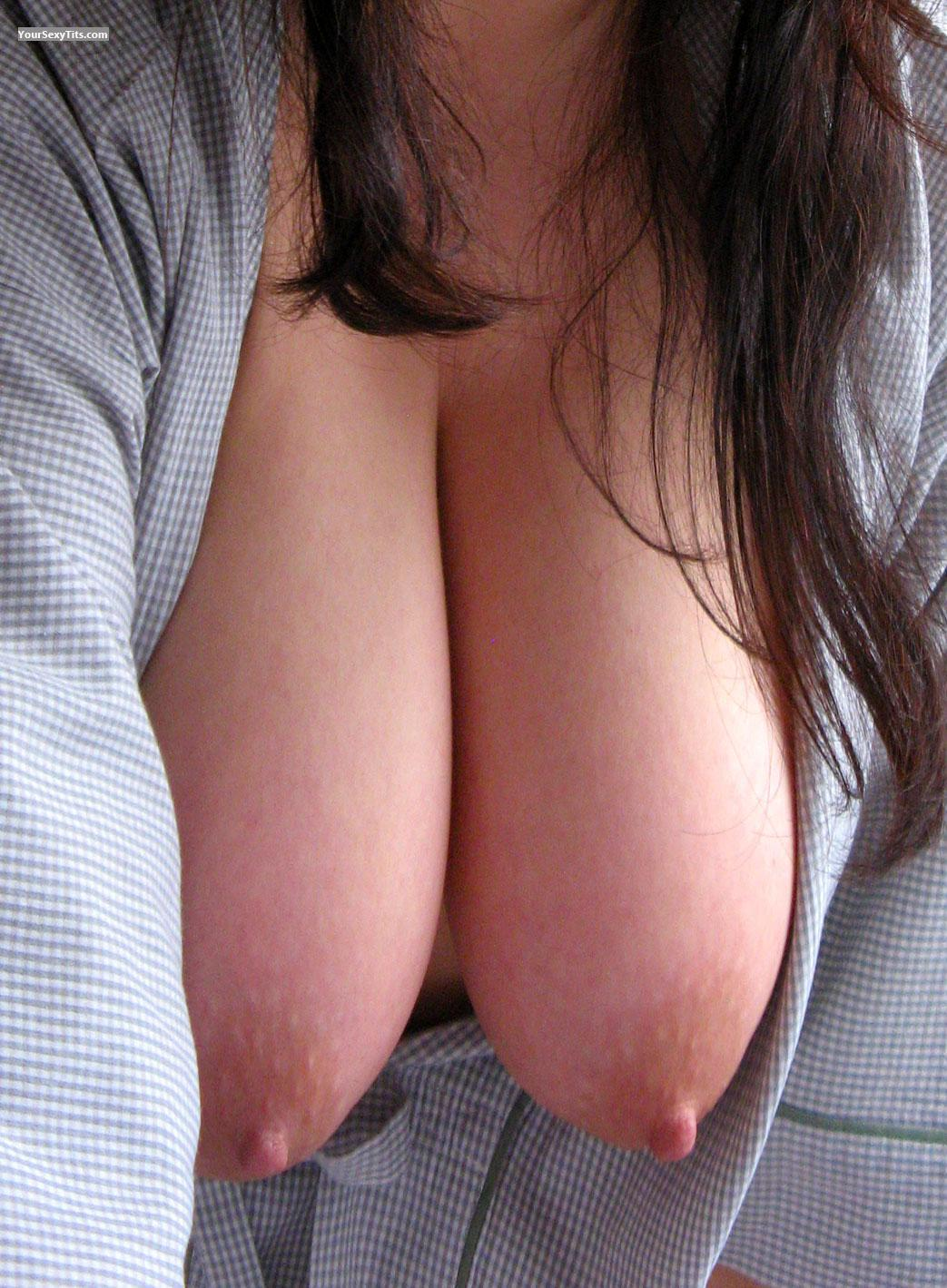 Tit Flash: Very Big Tits - Ally from United Kingdom
