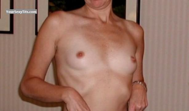 Tit Flash: Very Small Tits - Sherri from United States