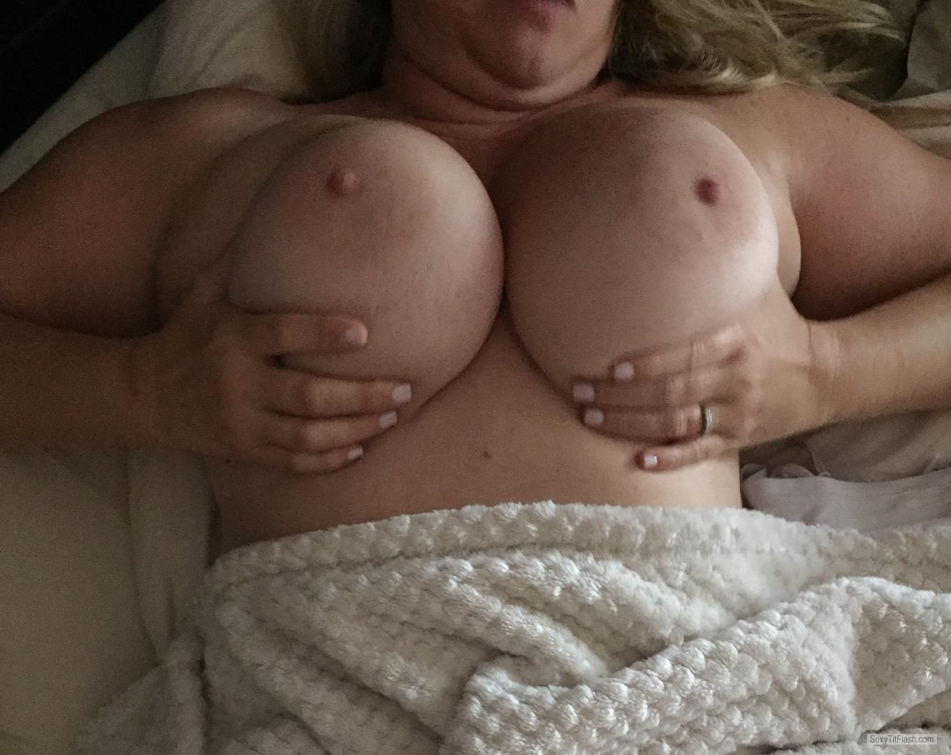 Tit Flash: My Very Small Tits - Sunnyonesfl from United States