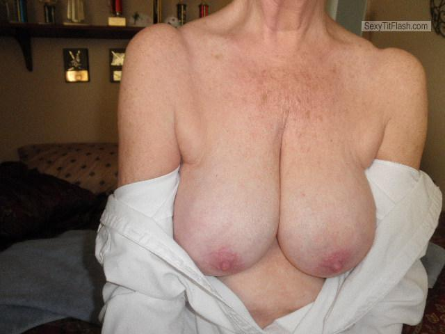 Tit Flash: Wife's Big Tits - Oldies But Goodies from United States